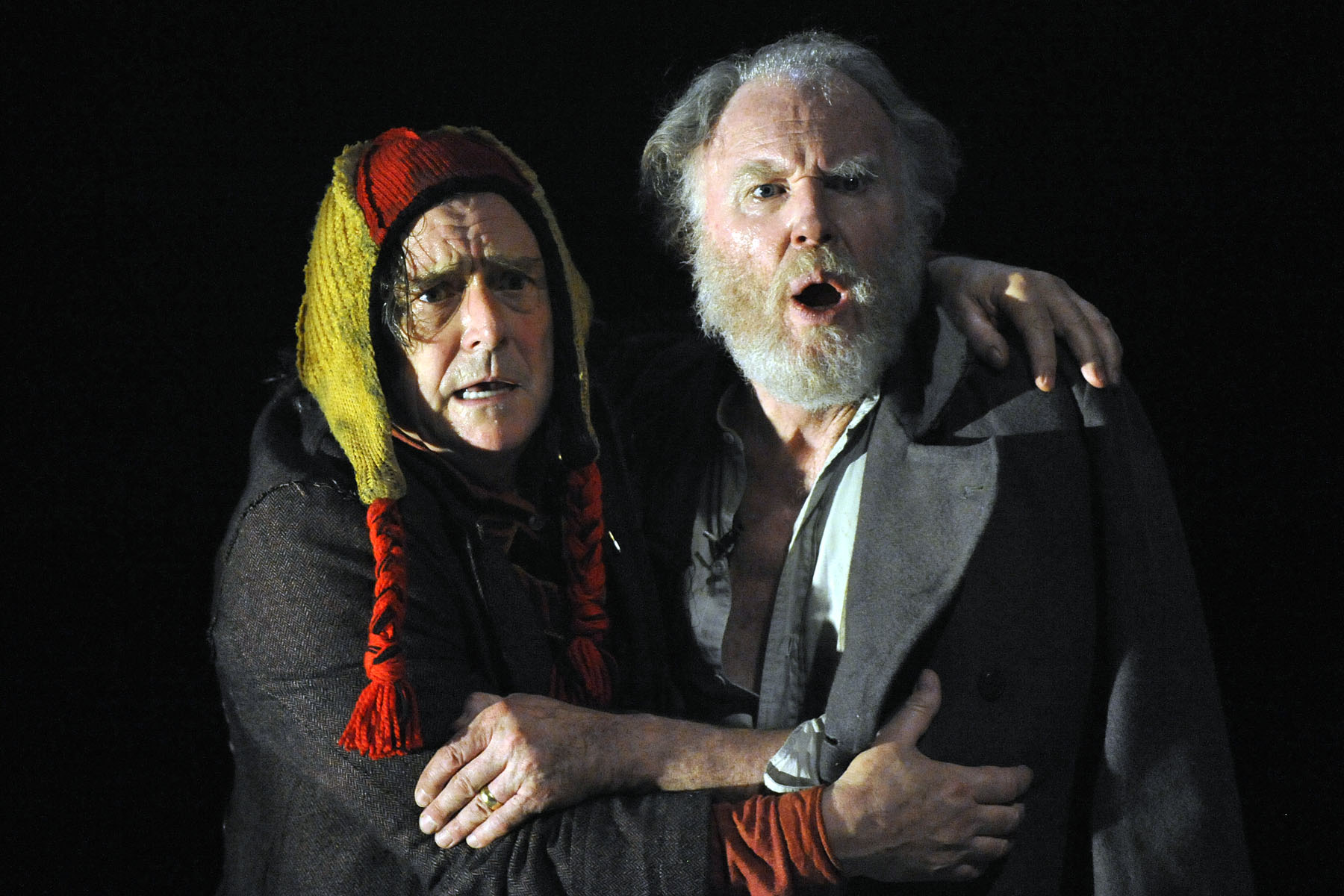 Tim-Pigott-Smith-King-Lear-Richard-O'Callaghan-Fool.jpg