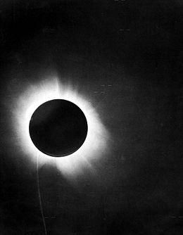 260px-1919_eclipse_positive.jpg