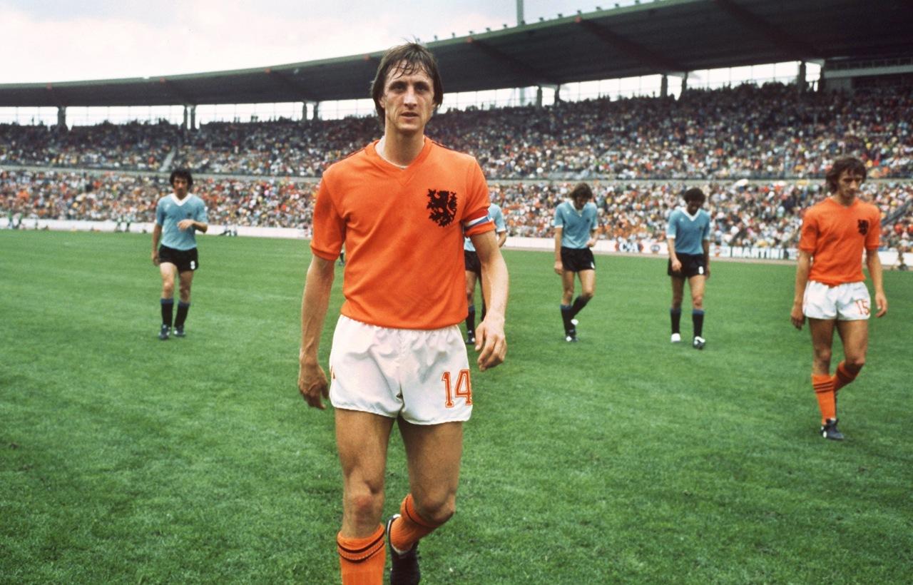 johan-cruyff-holland-v-argentina.jpg